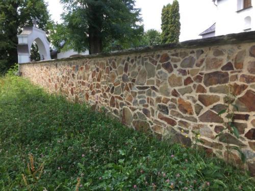 Kirchenmauer Bernsgrün